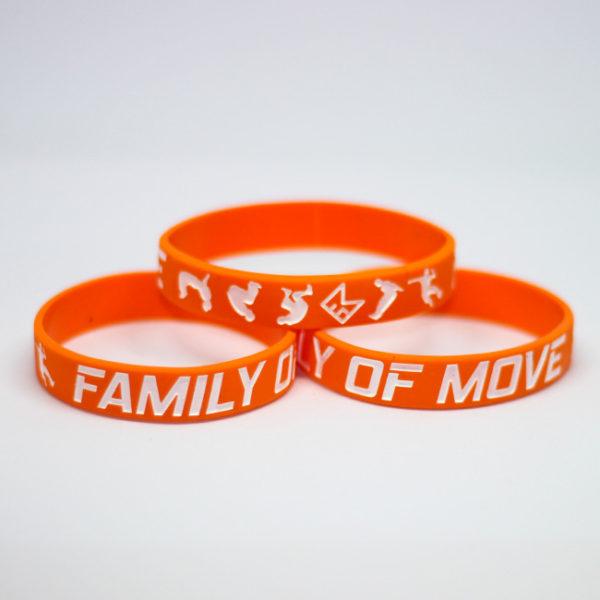 Oranžový náramek s parkour motivem