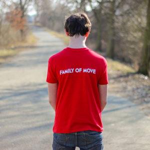 červené parkourové triko